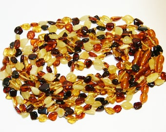 Lot Wholesale of 10 Baltic amber teething necklaces, multicolor leaves beads