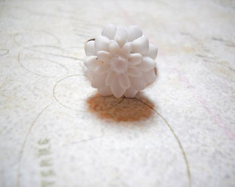 White Flower Ring Gold Ring Adjustable Ring Flower Jewelry Garden Jewelry Spring Jewelry White Gold Ring