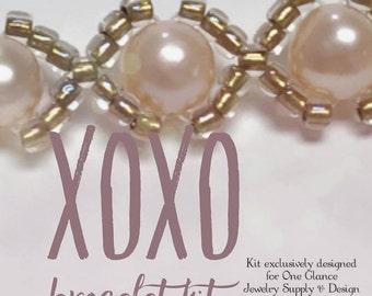 XOXO bracelet kit, peach