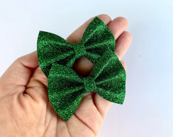 Emerald Green Glitter Felt Pigtail Hair Bow Set // Piggie Bows Hair Clips // Pigtail Bows Mini Bows Baby Toddler Bow Set St Patricks Day