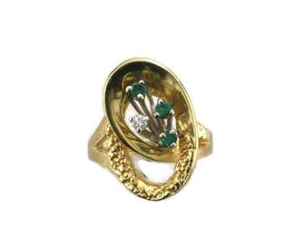 Yellow Gold Emerald and Diamond Ring, Vintage Emerald Ring, May Birthstone, Birthstone Ring, Vintage Emerald and Diamond Ring, Emerald Ring