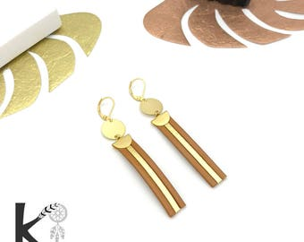 Camel leather and gold dangling earrings matte