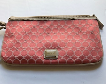 Purses and pearls!