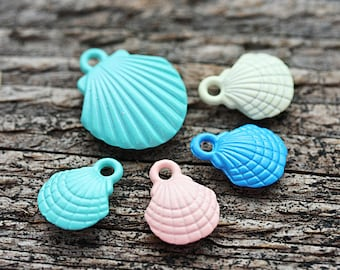 5pc Puffy Shells Charms MIX, Painted Metal Casting, SeaShell beads, nautical, beach jewelry making - F446