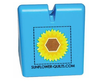 The Original Thread Cutter By Sunflower Quilts~Blue