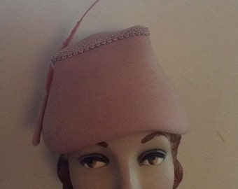 Vintage 1950s Hat Dusty Rose Pink With Feather