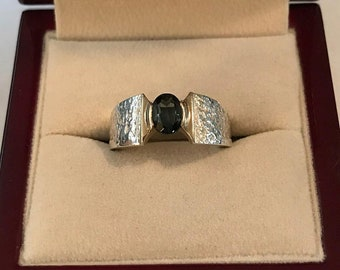 Sterling Silver Green Tourmaline Hand Crafted Ring Size 7