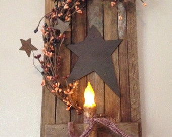 Tobacco Wood Shutter with Candle and Berries - Primitive Mix