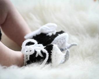 Baby HOCKEY SKATE BOOTIES Crochet Ice Skates, Black Skates Crochet Hockey Skates, Knit Hockey Skates, Crocheted Baby Boy Newborn Hockey