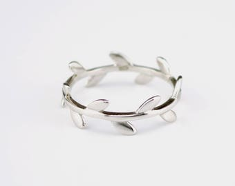 Olive branch ring, vine branch ring, dainty leaf ring, minimalist leaf ring, delicate leaf ring, forest ring, floral ring for her