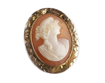 Vintage Cameo Pendant - 10k Carved Shell Pendant Brooch - Classic MidCentury Jewelry
