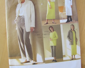 Uncut Vogue Sewing Pattern 2395 - Five Easy Pieces - Size 14-18