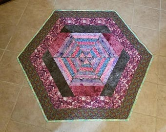 Pretty SpiderWeb Lap Quilt