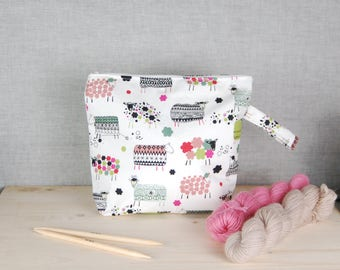 Large knitting work in progress bag, zipper bag, sheep bag, knitting gift, project bag, crochet bag, yarn bag, make up bag,