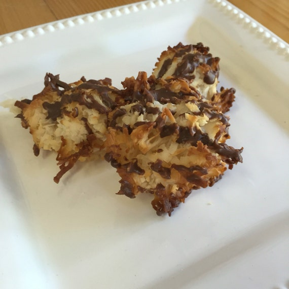 Coconut Macaroons (pick up only)