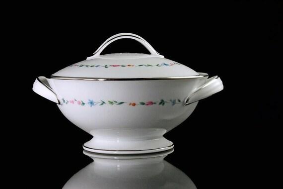 Sugar Bowl, Noritake, Fine China, Lovell Pattern, White, Floral