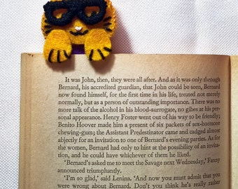 Felt Cat Bookmark: Cat Lover Gift, Animal Bookmark, Book Lover Gift, Book Accessories, Cat Gift, Page Marker, Unique Bookmark, Mothers Day