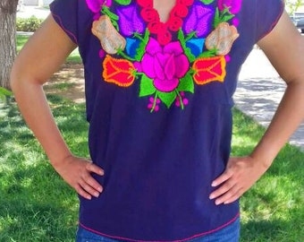 S-M Mexican blouse embroidered. mexican top mexican embroidered mexican clothing floral blouse