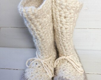 Womens slippers,Crochet slippers,Ladies slippers,Ladies cuff slippers,Mukluk slippers,Ladies slipper boots,Slipper boots, slippers