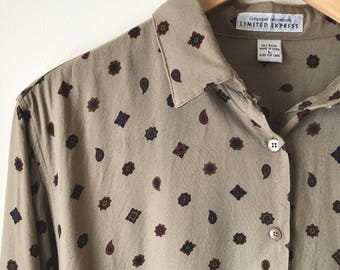 Limited Express Campagne Internationale button up blouse, dolman sleeve, paisley