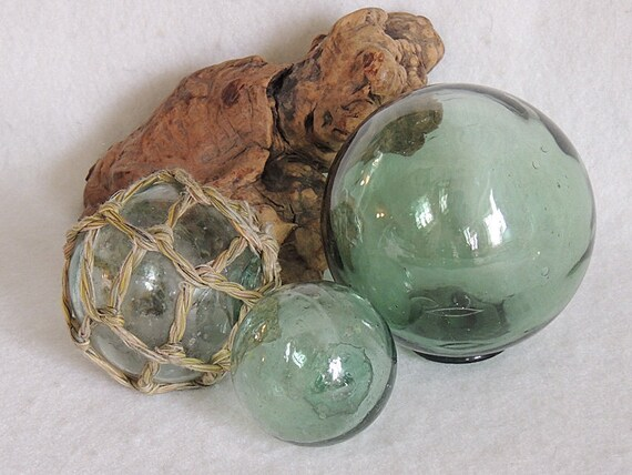 3 unique Vintage Japanese GLASS FISHING FLOATS Varian Sizes & Colors.. One With Net (#32)