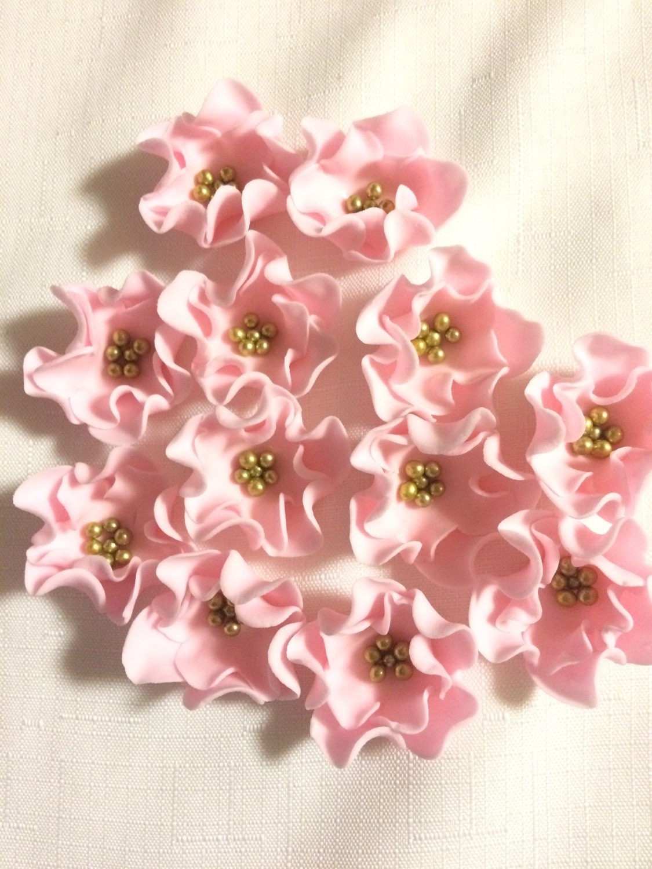 edible flowers 1.5 mini vintage soft pink fondant