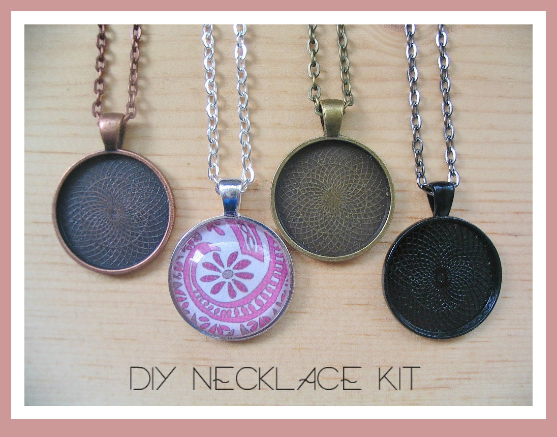 25pcdiy circle pendant tray necklace kit25mmcludes zoom mozeypictures Choice Image