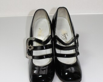 1960s Patent leather Black Mary Janes Size 7 M