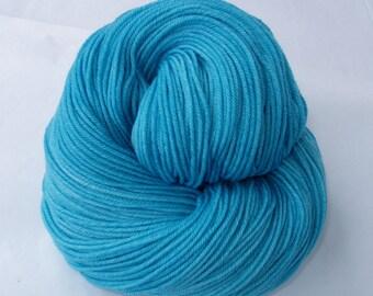 Hand dyed merino yarn, ultra soft 16 micron, hand painted merino yarn, sw, fingering weight, BLUE CRYSTAL,3.5oz/400yds, 100g/360m, 100% wool
