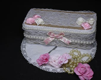 Shabby chic metal box