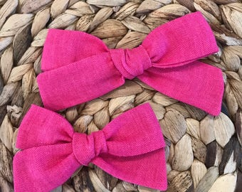 Hot pink linen bow // linen hairbow // pink hairbow // fabric bow