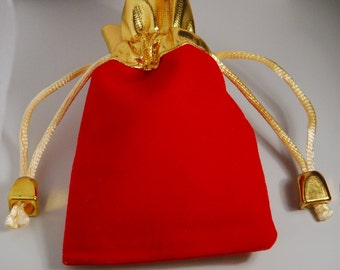 10 jewelry pouches -  9cmX7cm Gold top velvet pouches, jewelry bags, red color