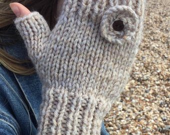 READY KNIT Sea Flower fingerless mitts - adult - chunky/bulky yarn