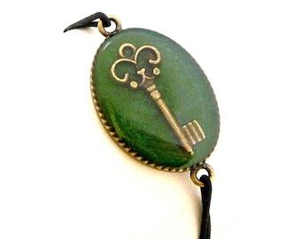 Stretch Bracelet green key