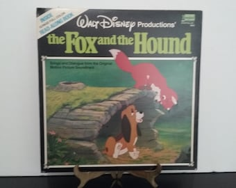 Walt Disney - The Fox & The Hound - Plus a 12 Page Full Color Illustrated Read Along Book - Circa 1981