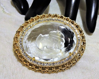 Beautiful Vintage Clear Glass Intaglio Lady  Cameo Brooch