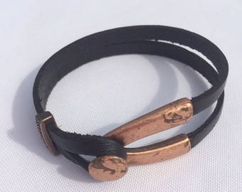 Copper color metal and leather bracelet