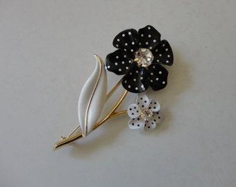 VINTAGE black and white polka dot FLOWER BROOCH - avon