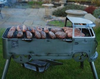 Busbecue BBQ grill, barbecue split screen camper Kombi.