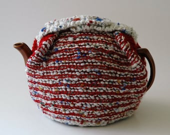 Thick tea cosy / chunky knit / red white blue / medium size teapot / button trim