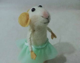 Needle felt mouse figurine; tree ornaments ; pretty mouse soft sculpture; ornament felted animal