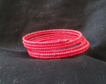 Red Seed Bead Memory Wire Bracelet, Red Beaded Bracelet, Women's Fashion Accessory, Red Bracelet