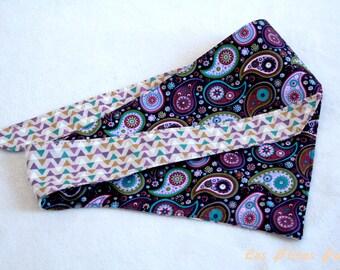 Bandana réversible pour chien paisley violet et triangles taille L