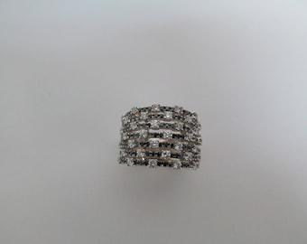 Checkered-Board Pattern Diamond Band