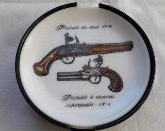 Set of 6 coasters plastic Rumilly Ornamine pistols 18 th century, vintage 1970s pattern.