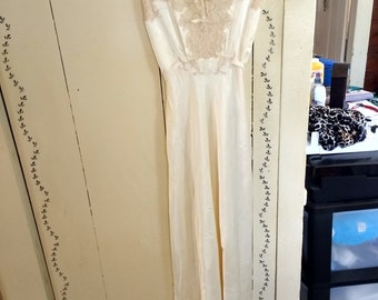 Vintage Lady Leonora Ivory and Lace Nightgown  50's Size 36