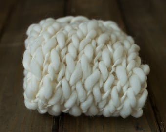 Hand Knit Merino Wool Bump Blanket, Thick and Thin Bump Blanket with Tie Back - Newborn photo prop, 100% wool - Cream - RTS