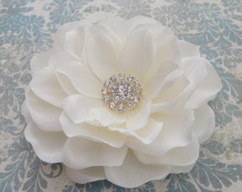 Antique White Bridal Flower Hair Clip, Bridal Flower Clip, Wedding Flower Clip, Gardenia Flower Clip, Flower Brooch,  Wedding Hairpiece
