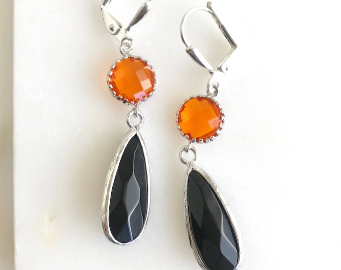 Halloween Dangle Earrings. Black and Orange Halloween Earrings in Silver.  Black and Orange Dangle Earrings. Halloween Jewelry. Drop Earring