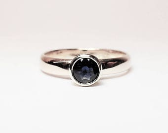 Ring solid white gold 14 kt Sapphire